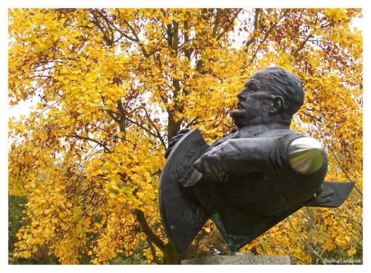 Norman Burkett Borstbeeld van van Han Jordaan.